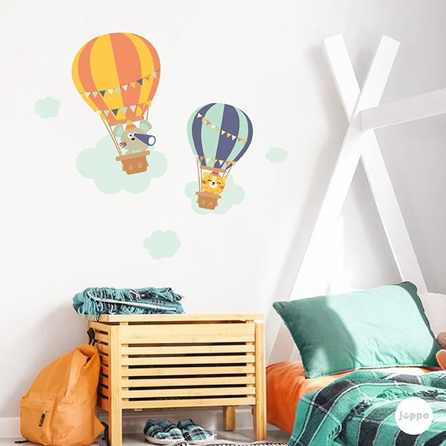 Uçan Balonda Gezinti Duvar Sticker